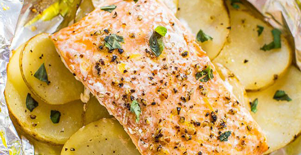 Easy Salmon and Potato Foil Packets at Averie Cooks